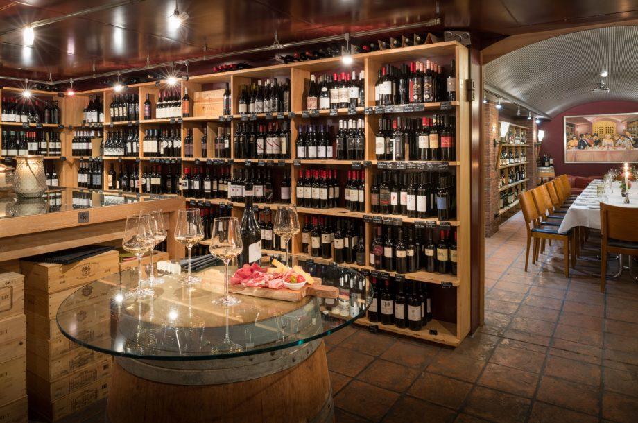 Bankette im Weinkeller